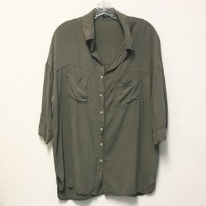 Brandy Melville Olive green square shirt blouse